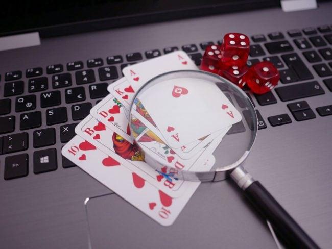 Poker na internetu v zahranici